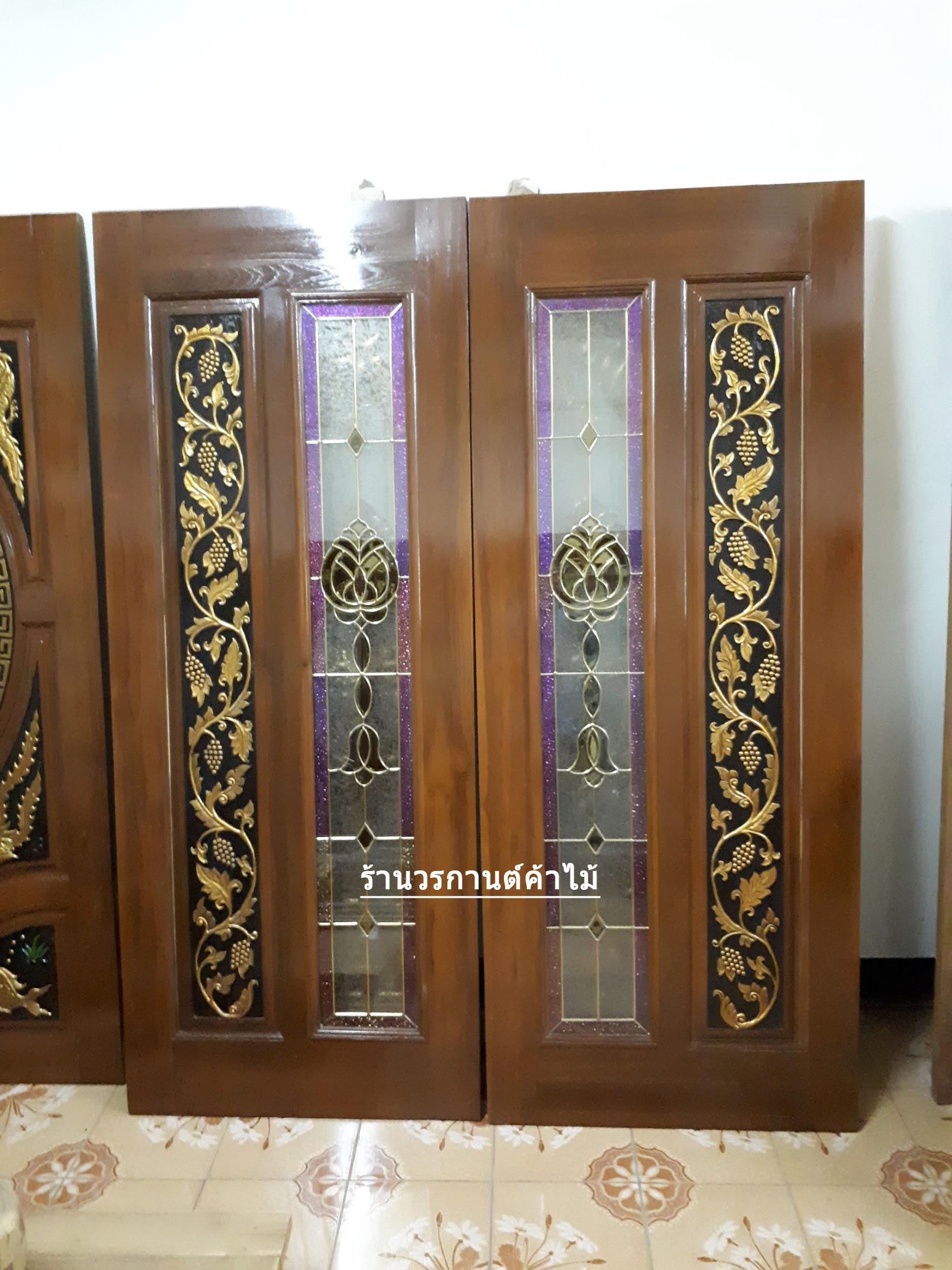 ประตูไม้สักกระจกนิรภัย แกะองุ่น เกรดA รหัส A129