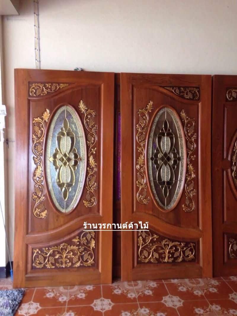 ประตูไม้สักกระจกนิรภัยวงรี แกะองุ่น เกรดA,B+ รหัส A99