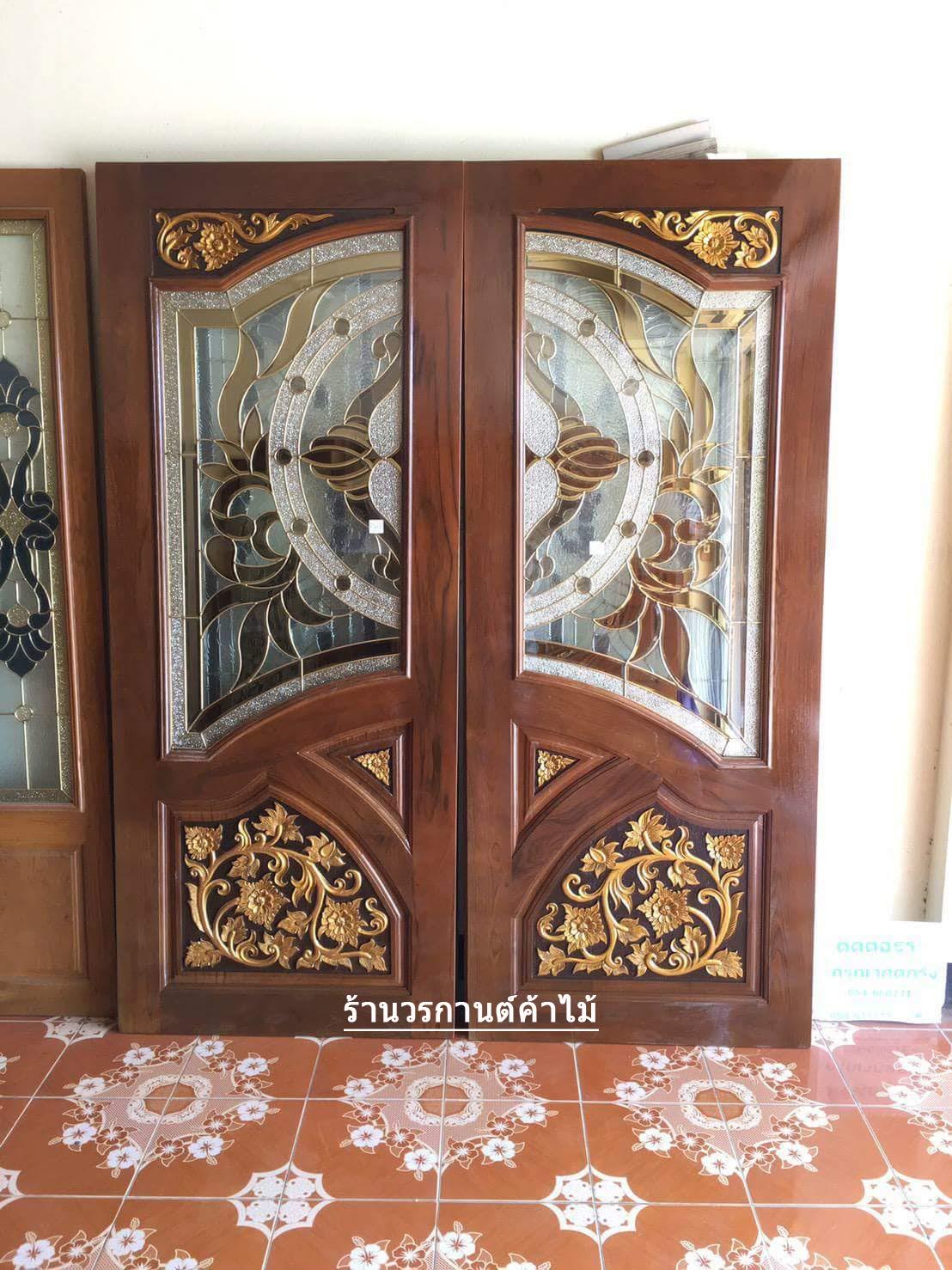 ประตูไม้สักกระจกนิรภัย ปีกนก เกรดA รหัส A25