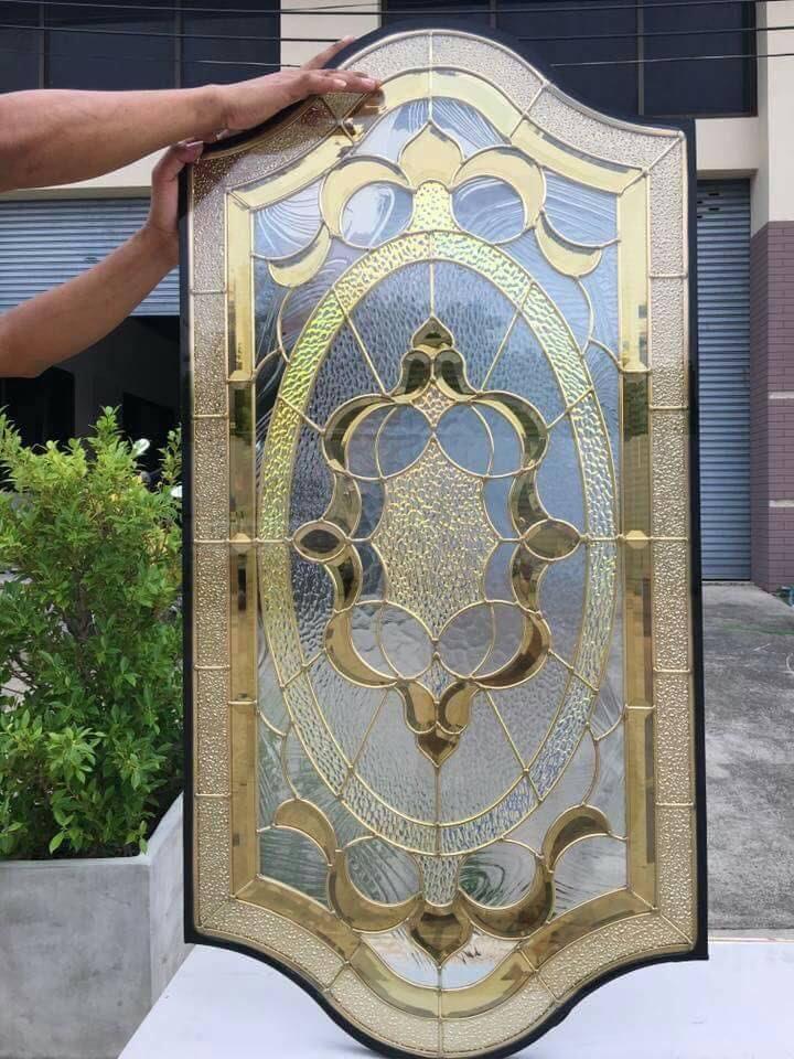กระจกนิรภัยสเตนกลาส ประตูไม้สัก