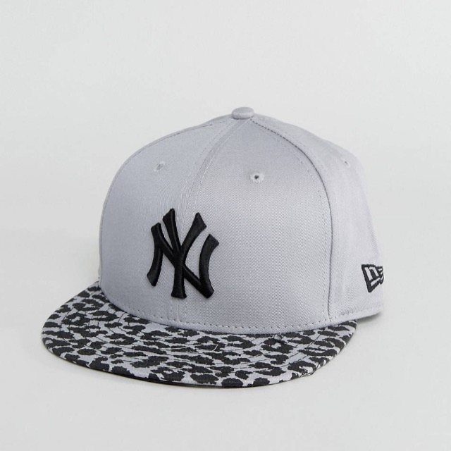 หมวก New Era 9 Fifty Spring Leopard Snap New York Yankees Cap