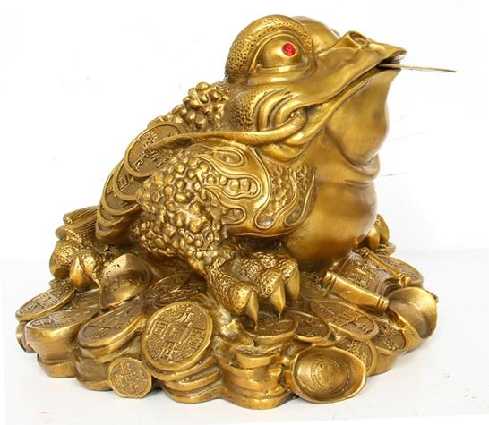 กบคาบเหรียญ เรียกเงินเรียกทอง บูชาแล้วร่ำรวย อุดมไปด้วยโชคลาภ  ธุรกิจก้าวหน้า ทำมาค้าขึ้น - ปี่เซียะ วัตถุมงคล บูชาแล้วร่ำรวย หาเงินคล่อง  เสริมดวงการเงิน ช่วยขจัดสิ่งชั่วร้ายมิให้กล่ำกราย : Inspired by LnwShop.com