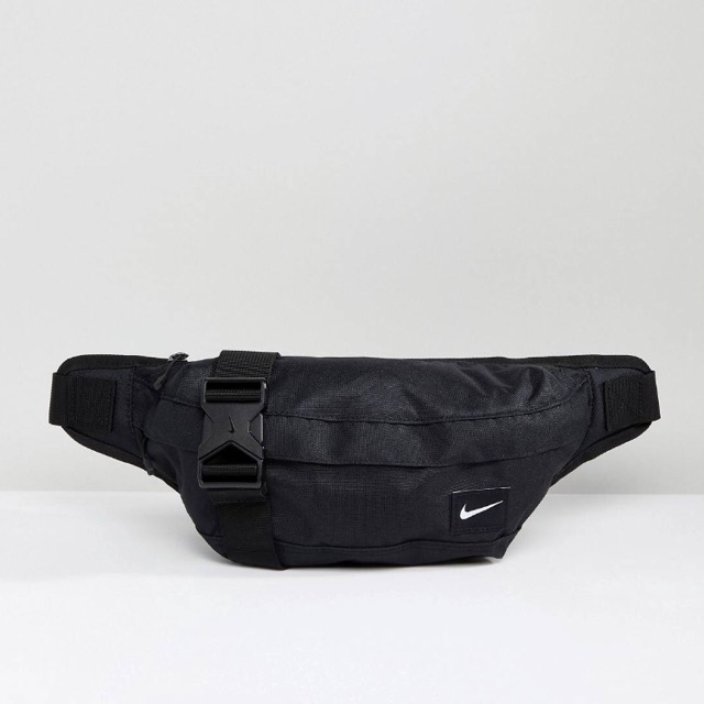 Nike Heritage Bumbag In Black mini Logo